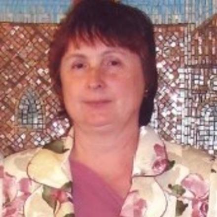 Попова Лариса Георгиевна