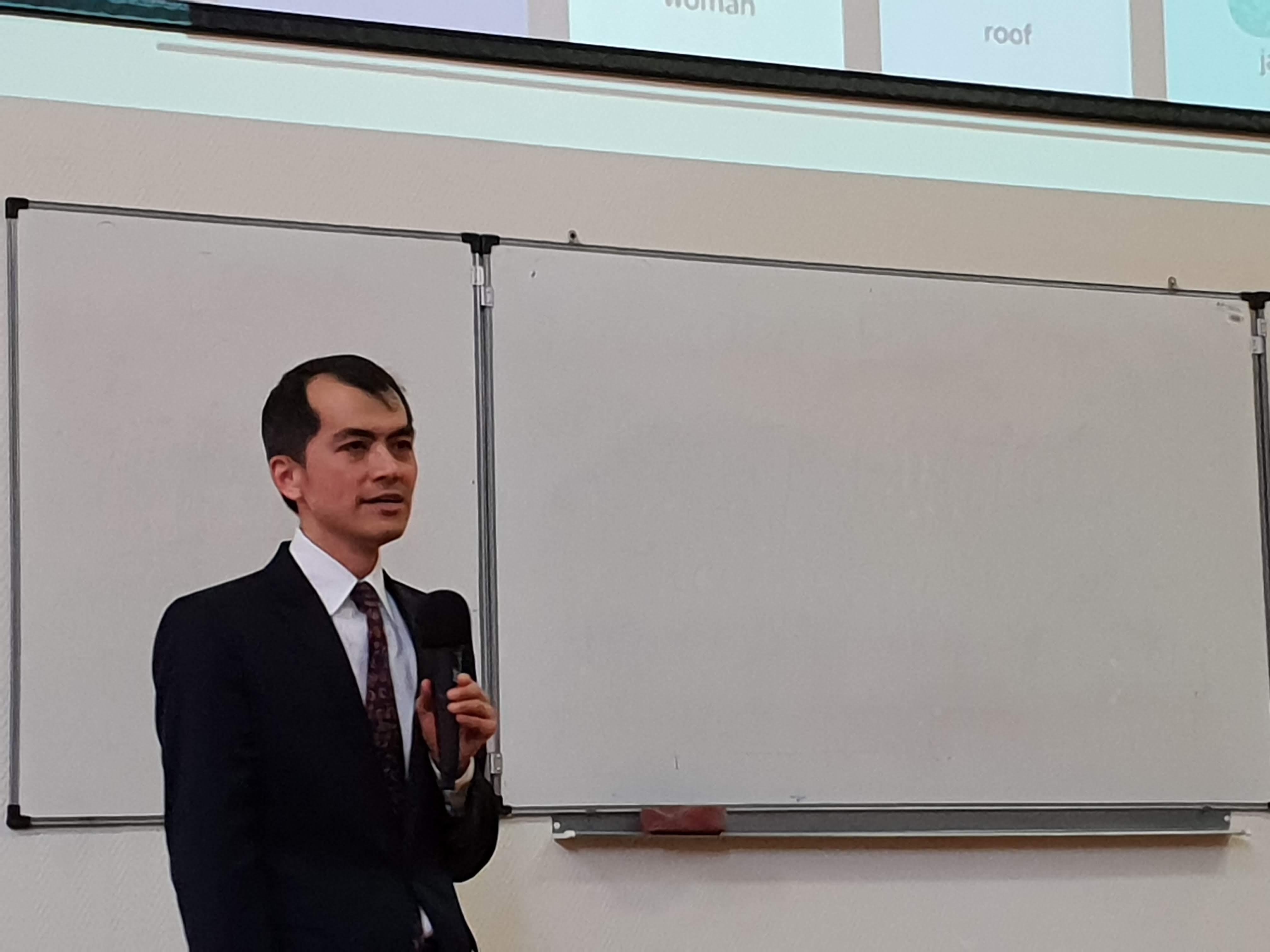 Лекция профессора Массачусетского технологического института