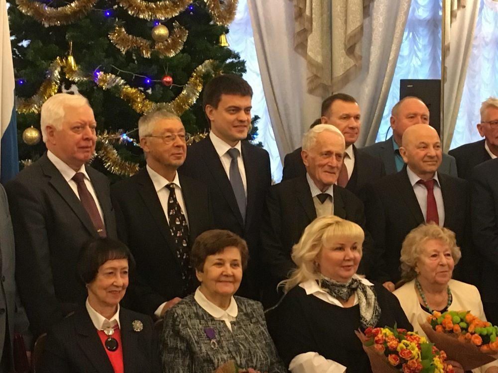 Награждение Л.Г. Викуловой почетным знаком «Заслуженный работник высшего образованияРФ»