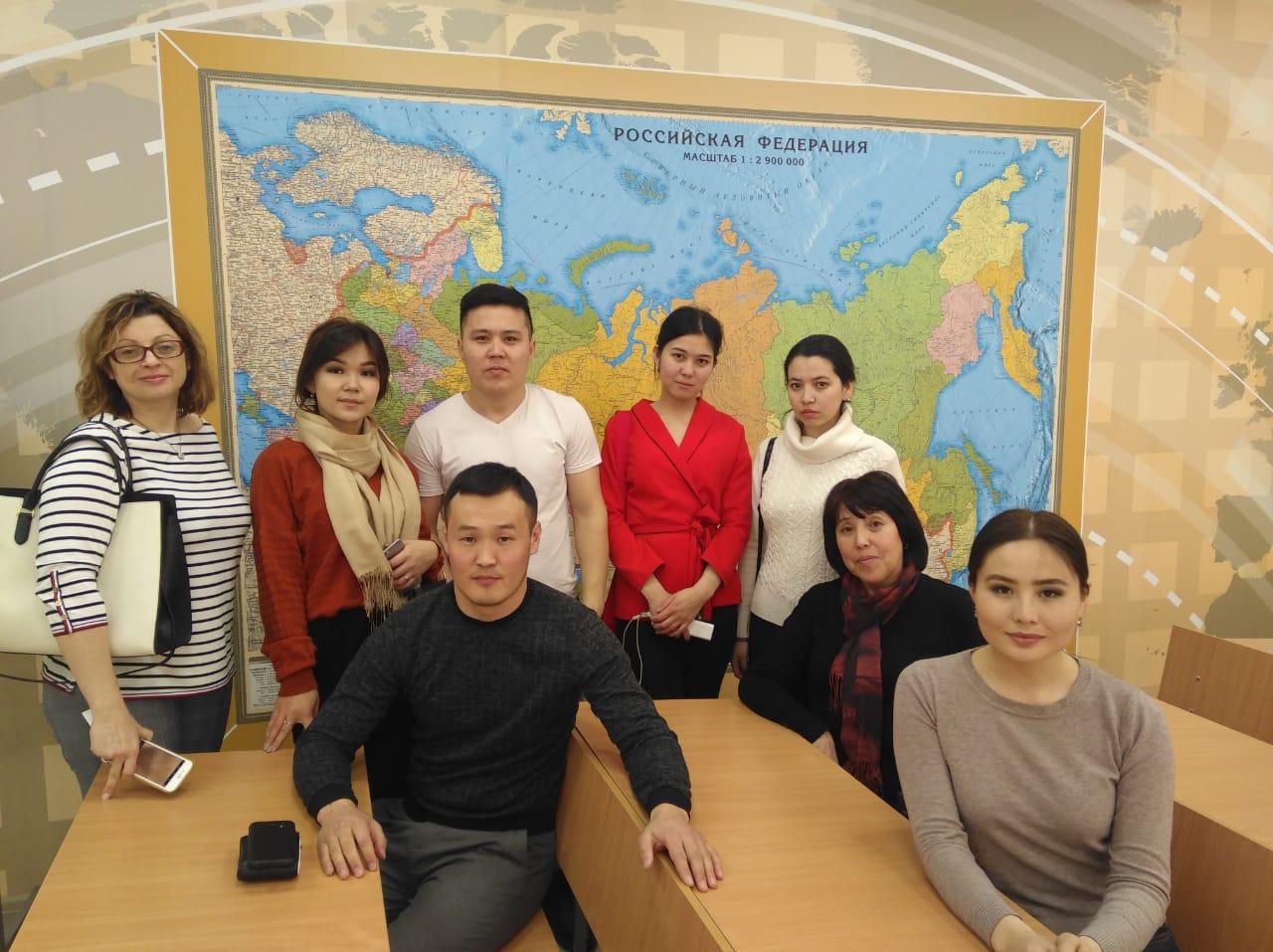 Магистранты КазНПУ посетили Московскую старшую школу