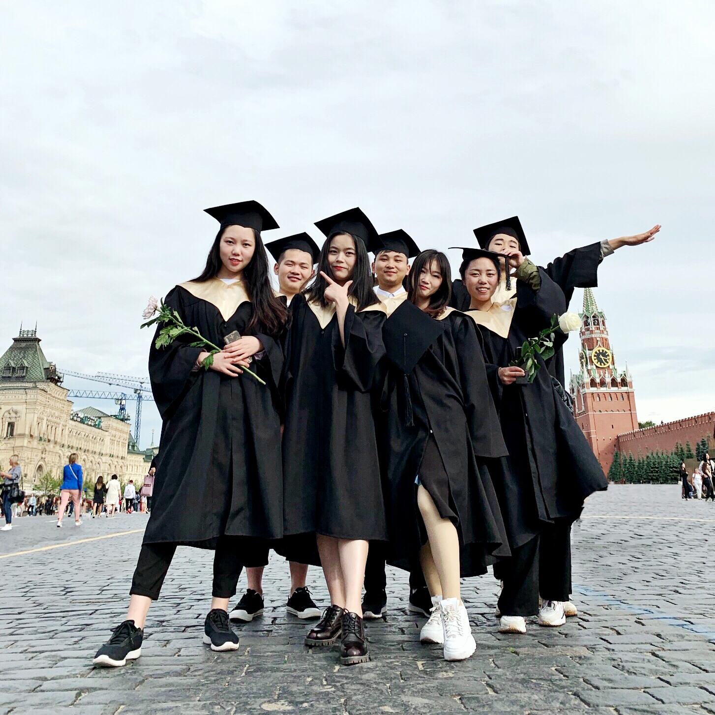Первая группа китайских студентов получила дипломы МГПУ