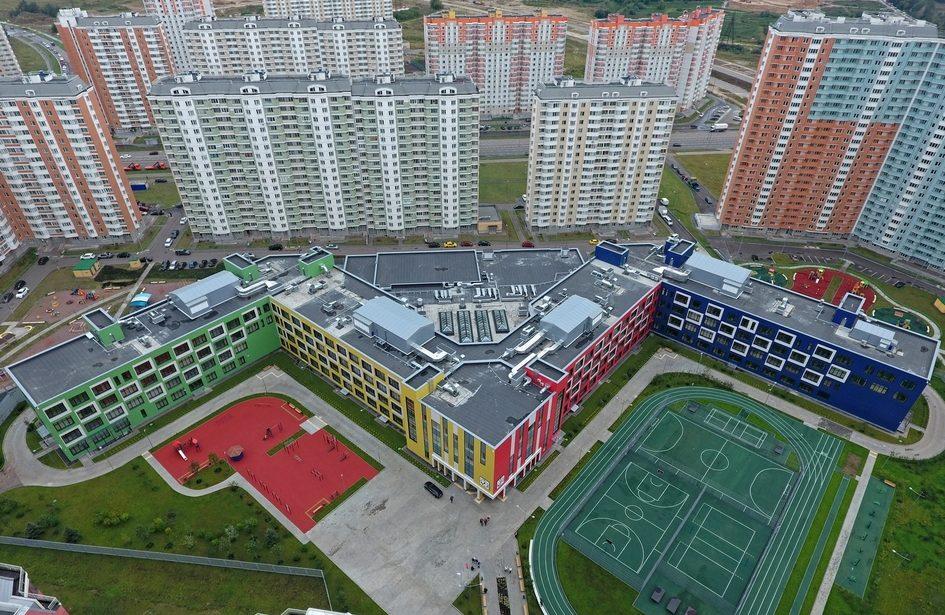 Школьная территория: центр жизни или огороженная пустота?