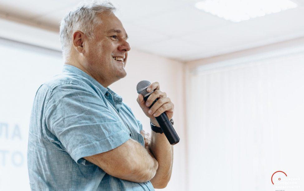 Ректор МГПУ принимает поздравления сюбилеем