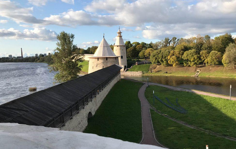 Экскурсия «Пушкинские горы-Псков-Изборск-Печеры»