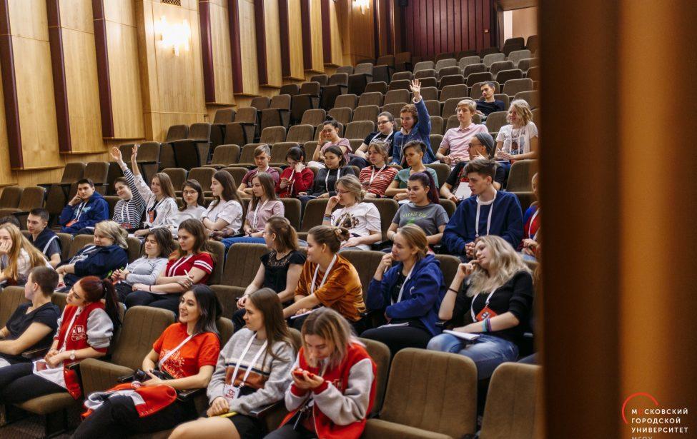 Выпускники Школы КВН примут участие в Кубке 25-летия