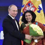 Доктор Нилакши Сурьянараян получила медаль Пушкина