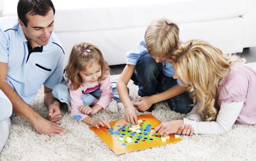 Круглый стол «Играют взрослые и дети»