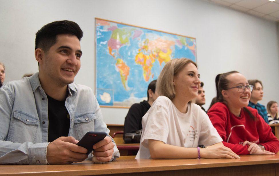 Выпускник ИЕСТ вэфире «МоскваFM» рассказал одистанте
