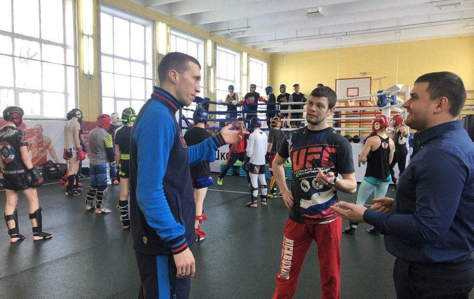 В Школе боевых искусств прошел мастер-класс по борьбе