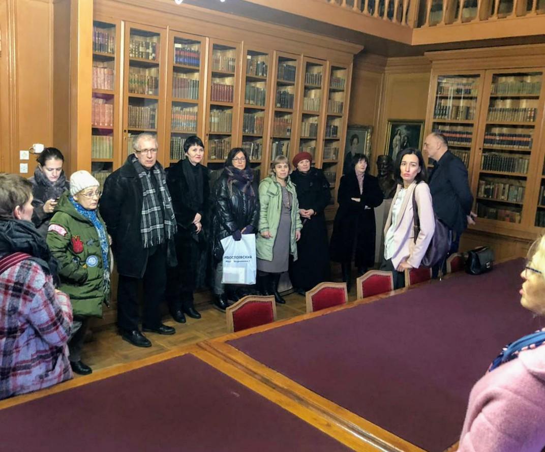 Встреча в мемориальной библиотеке Карловачки гимназии