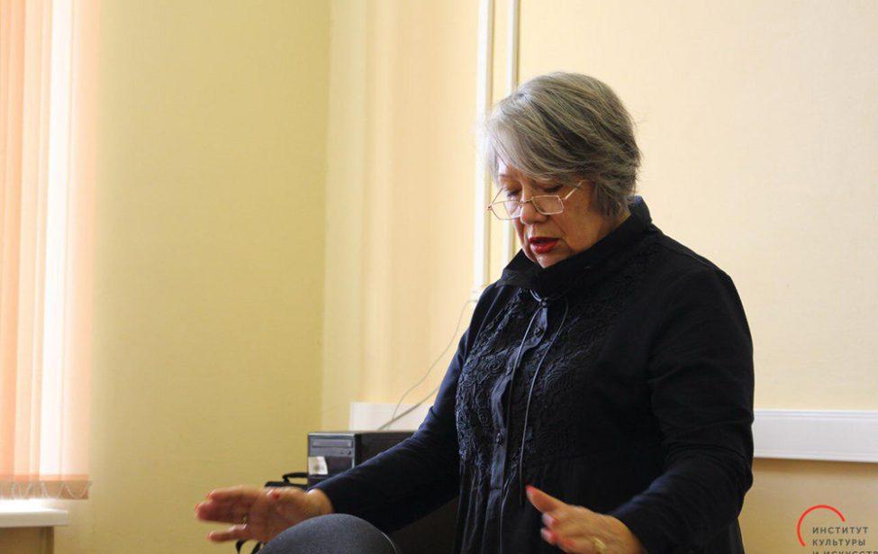 Поэтесса Ольга Ильницкая в гостях в ИКИ