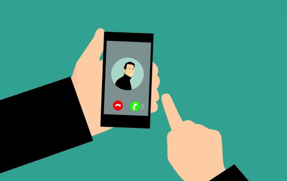 Абитуриенты могут получить видеоконсультацию по WhatsApp