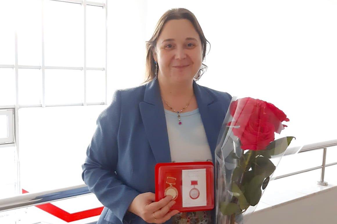 Ольга Короленко с наградой