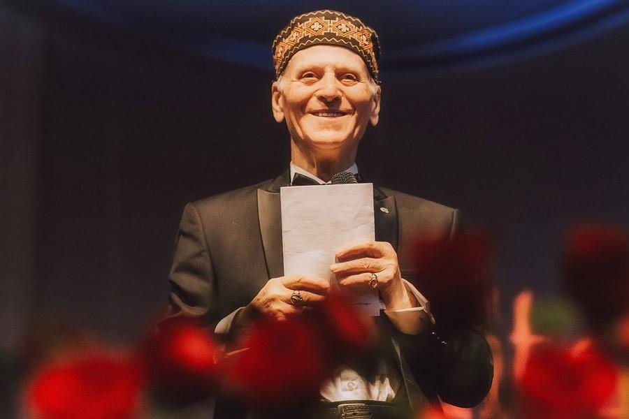 90-летний юбилей: поздравляем Шалву Амонашвили