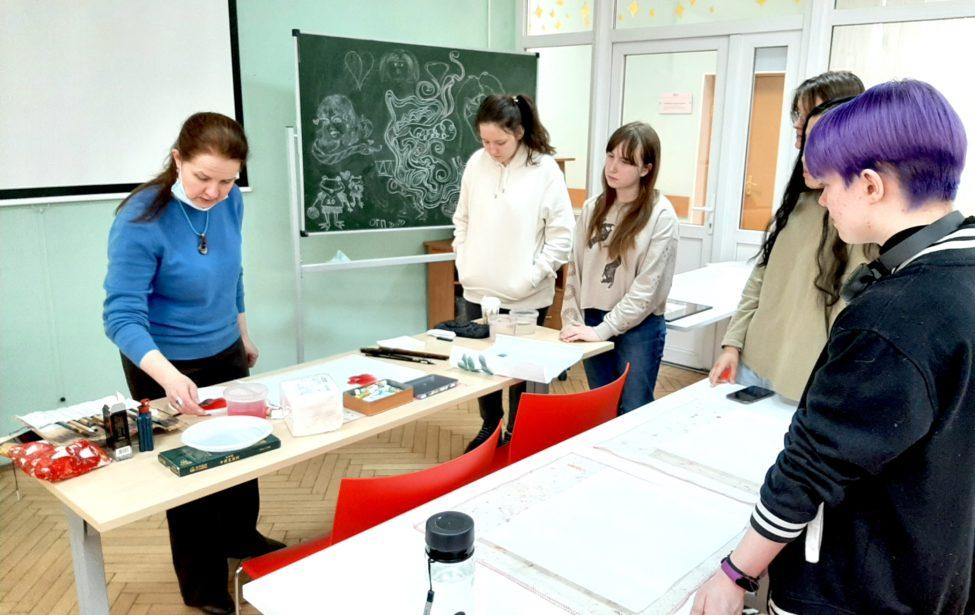 ВИИЯ состоялись две лекции покитайской живописи