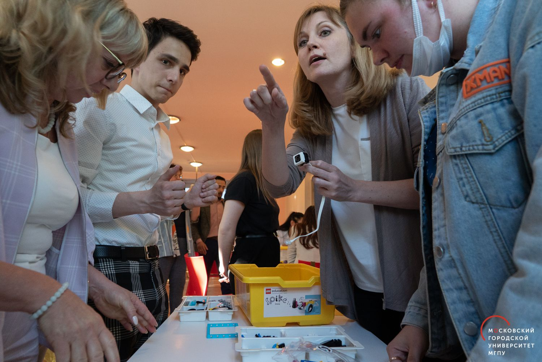 Фотоотчет поитогам проведения конкурса методических LEGO Education STEAM-проектов