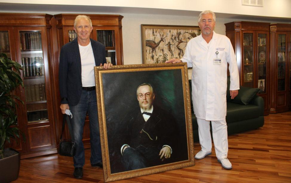 Александр Архипов написал для Боткинской больницы копию портрета С.П. Боткина Ивана Крамского